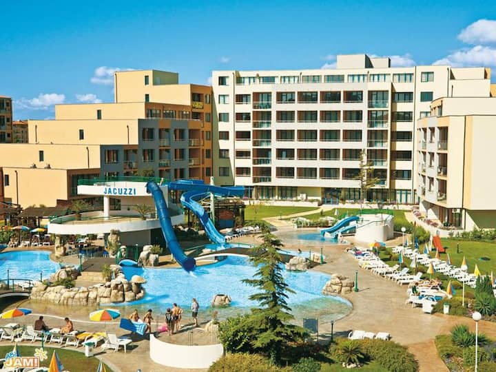 Trakia Plaza Apartment**** (85m2) in Sunny Beach