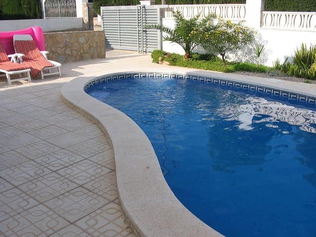 Chalet & private pool, WiFi, ideal for families - Mont-roig del Camp, Miami Playa - Rumah