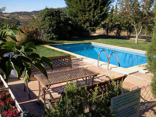 Bed&Breakfast with BBQ and pool - Calonge de Segarra - Bed & Breakfast