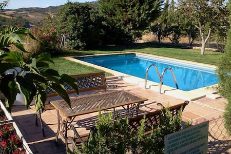 Bed&Breakfast with BBQ and pool - Calonge de Segarra