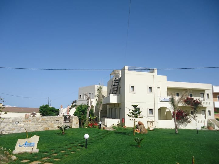 Family Apartment With Sea View And Swimming Pool