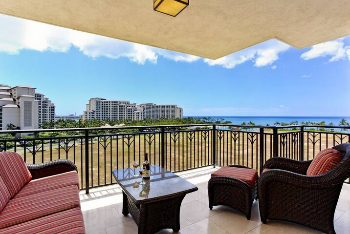 O- (Phone number hidden by Airbnb) Pool View, Ocean View - 7th Flr