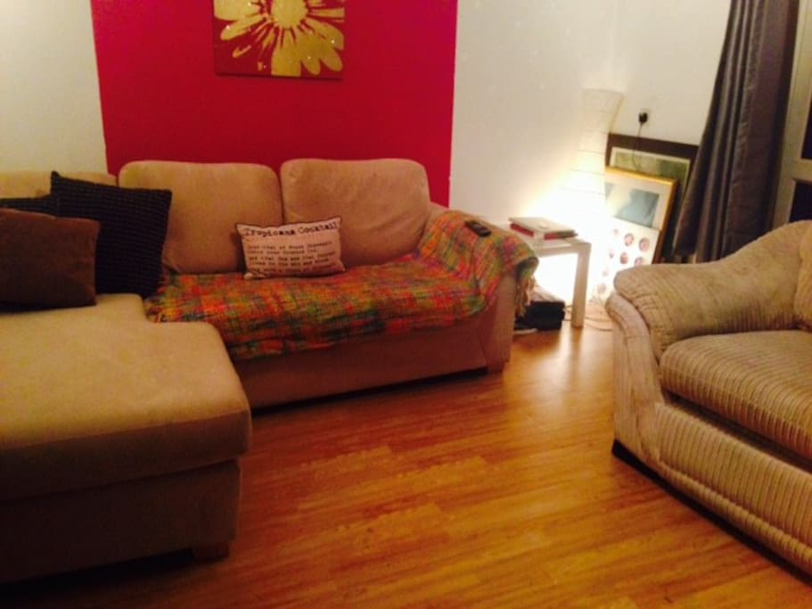 Large 1 Bedroom Flat In West London Available Apartments For Rent In London England United