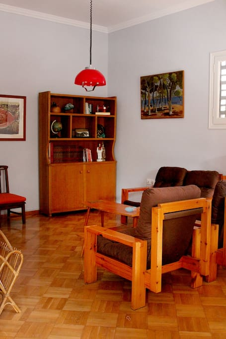 Lounge with original 1960s furniture and artwork