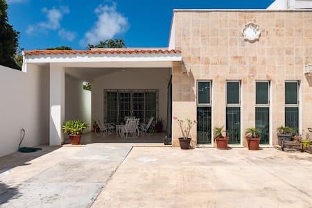 Casa con  alberca privada/ Playacar   2 min  beach