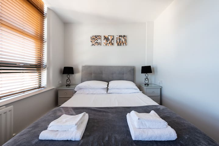 Hogg & Mitchell 1-Bed Apartments