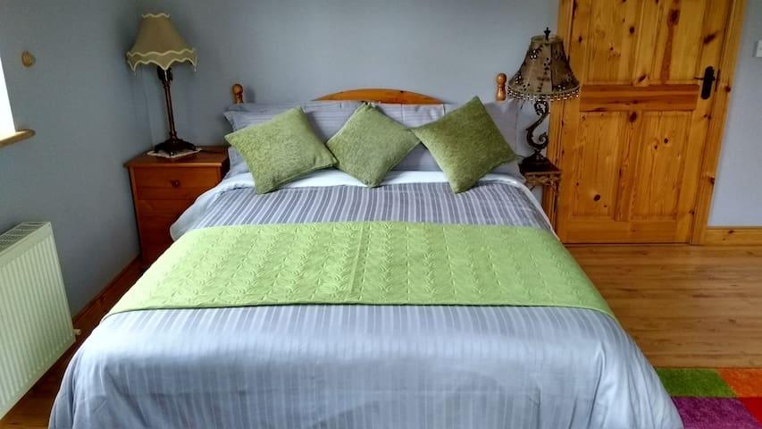Donegal Bay Mountcharles Ensuite ground floor room