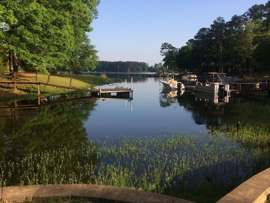 Pergola Lake View, Pontoon is location of your private Slip