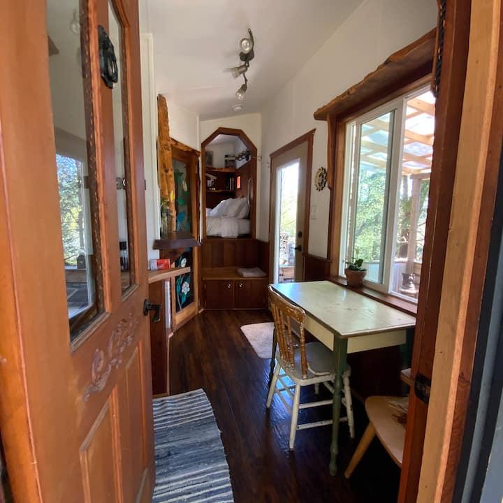 Tiny House on Salt Spring Island - The Yewnicorn!