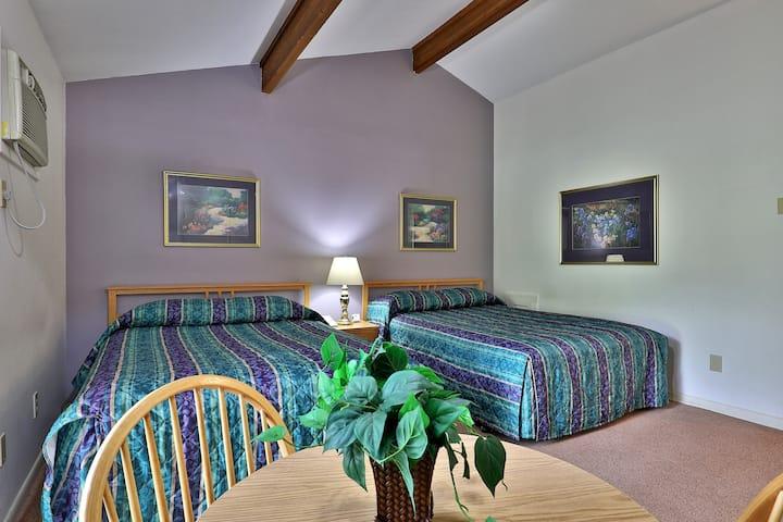 Cedarbrook Two Bedroom Suite 203/204