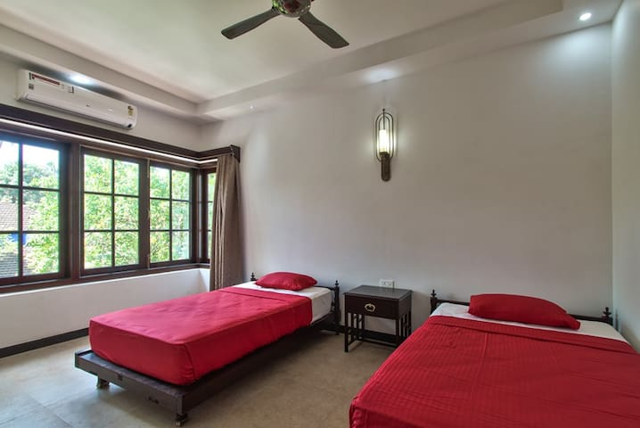 Bedroom with Twin single bed - 6BHK Villa