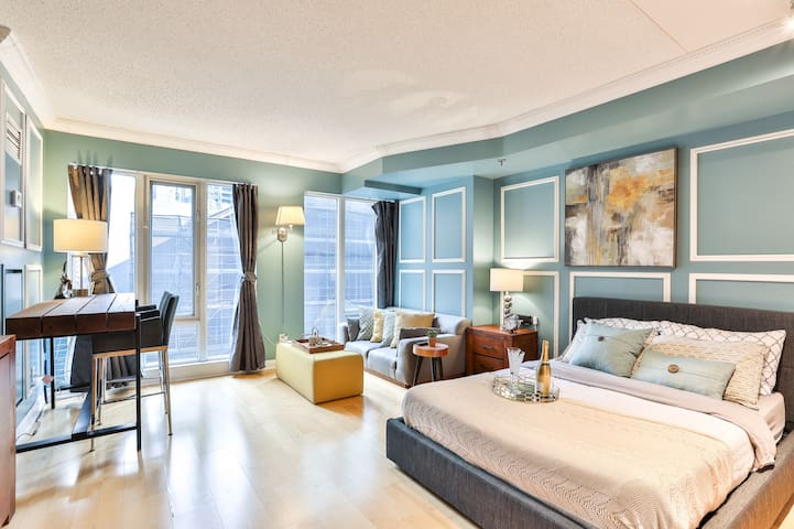 Boutique studio in the heart of downtown