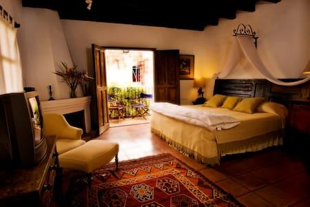 Casa Capuchinas Room 1