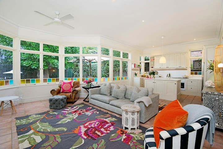 Family home minutes to Bronte and Coogee - Randwick - Dům