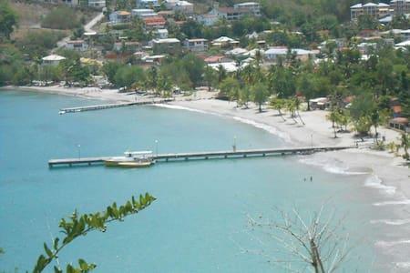 Charmant T3 Duplex à 150 m de la plage - Les Trois-Îlets