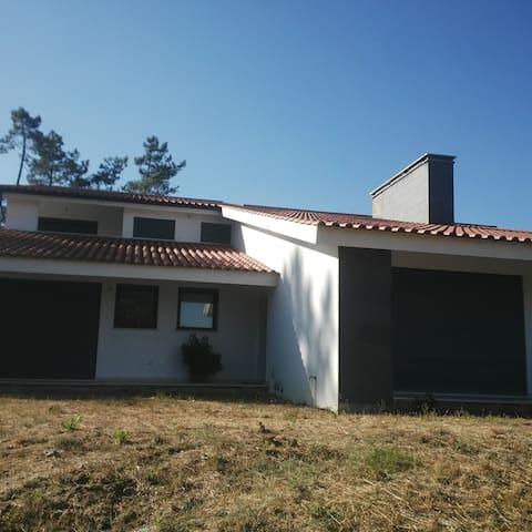 Guest House - Ourém - House