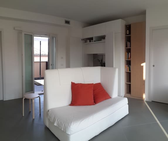 Single Room with private Bathroom_Well connected - Codogno - Appartement