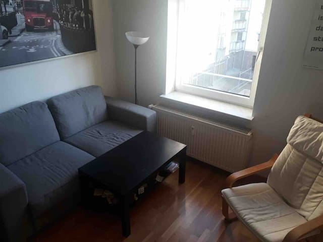 Kleines Zimmer mit Hochbett in ruhiger Lage