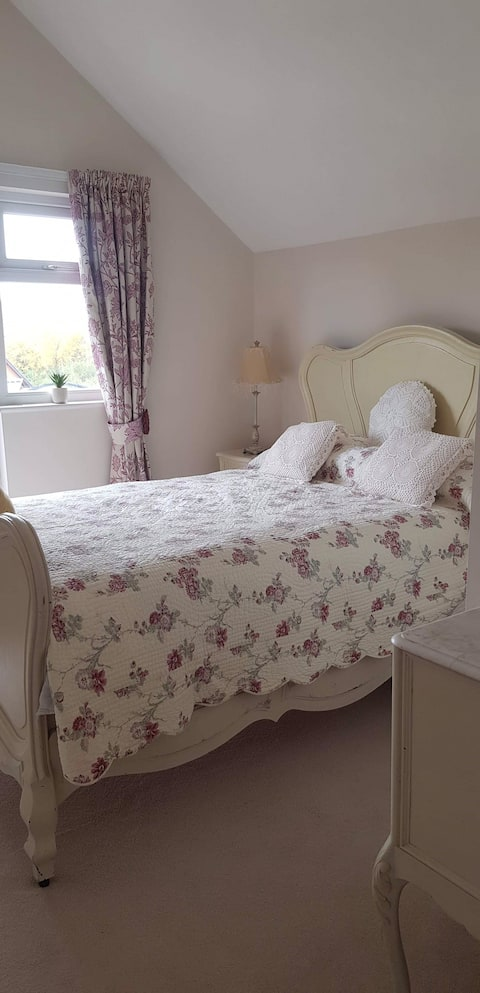 Lavender Cottage - Presteigne town -  free parking
