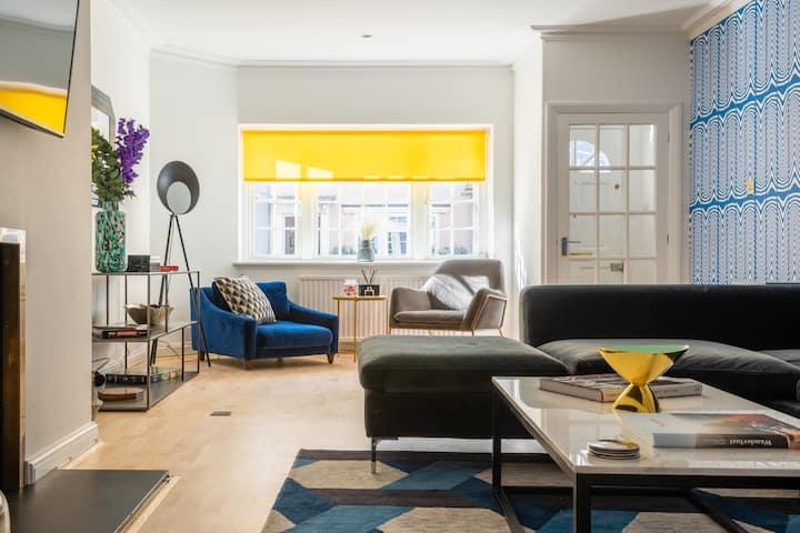 The South Kensington Place - Modern & Bright 4BDR