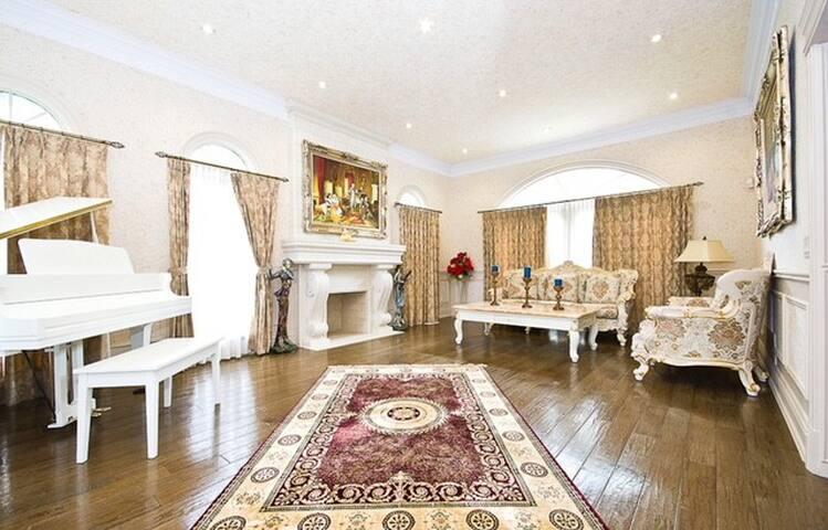 T280@Super luxury villa 5bdr . High quality !.