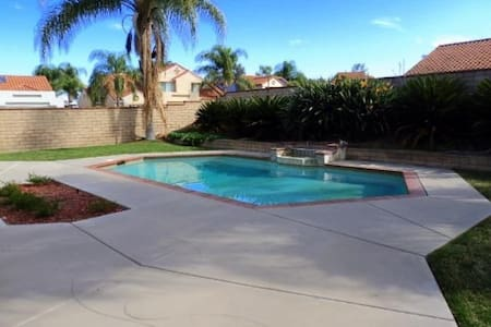 3 Bedroom Pool house - Chino Hills