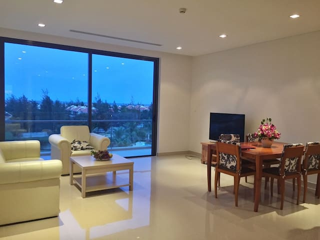Ocean View Apartment - Best for vacation - Da Nang - Huoneisto