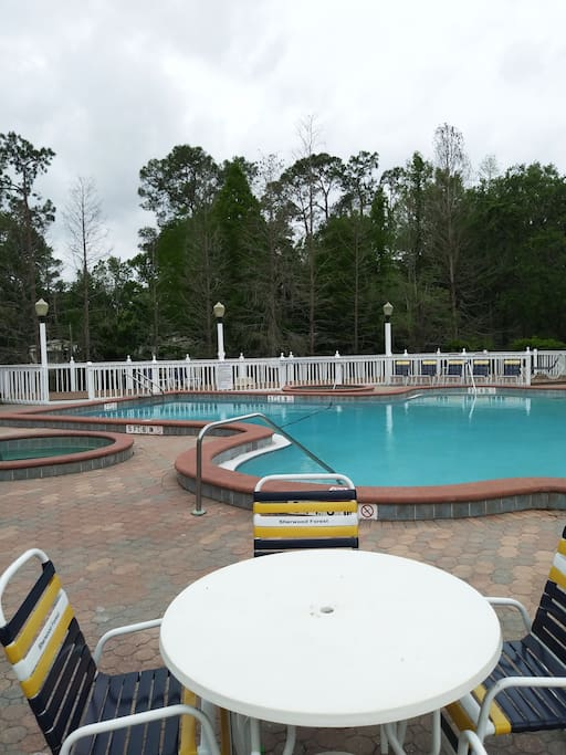 Heated Pool and Hot Tubs !!!