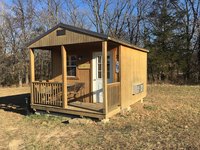 Cabin (2 beds) on Working Cattle and Horse Ranch