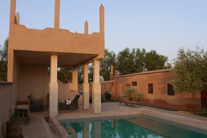 "Riad ""Bildi"" charme, proche Marrakech:DAR JASMIN"