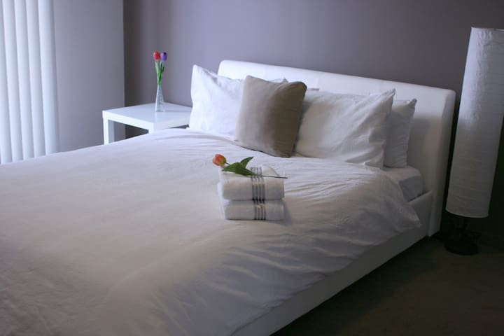 2 bed 2 bath in City Centre opposite Perth Arena