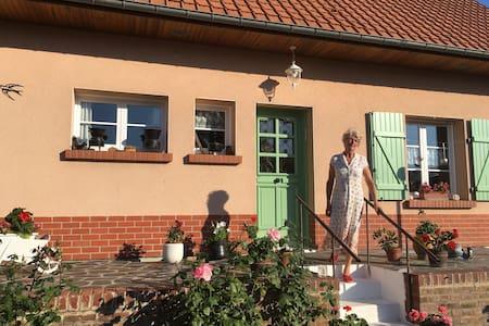 Chambre dans Ma Maison aux volets verts , Picardie