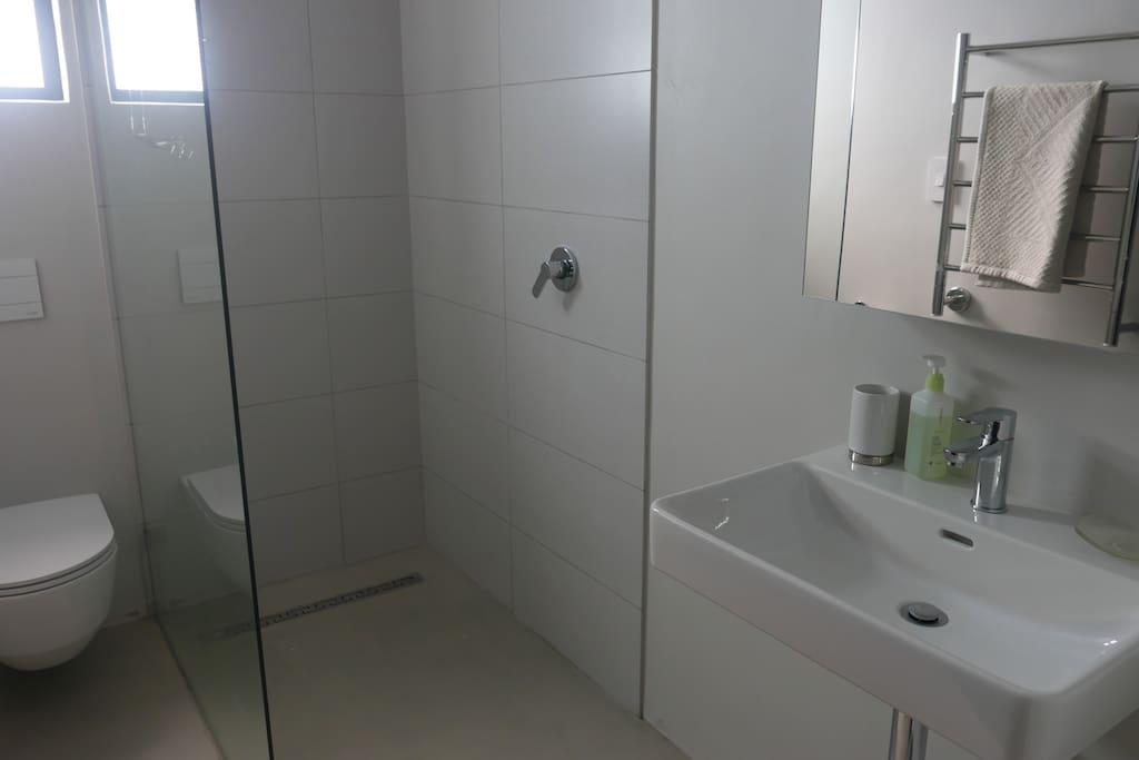 ensuite bathroom for Bedroom 2