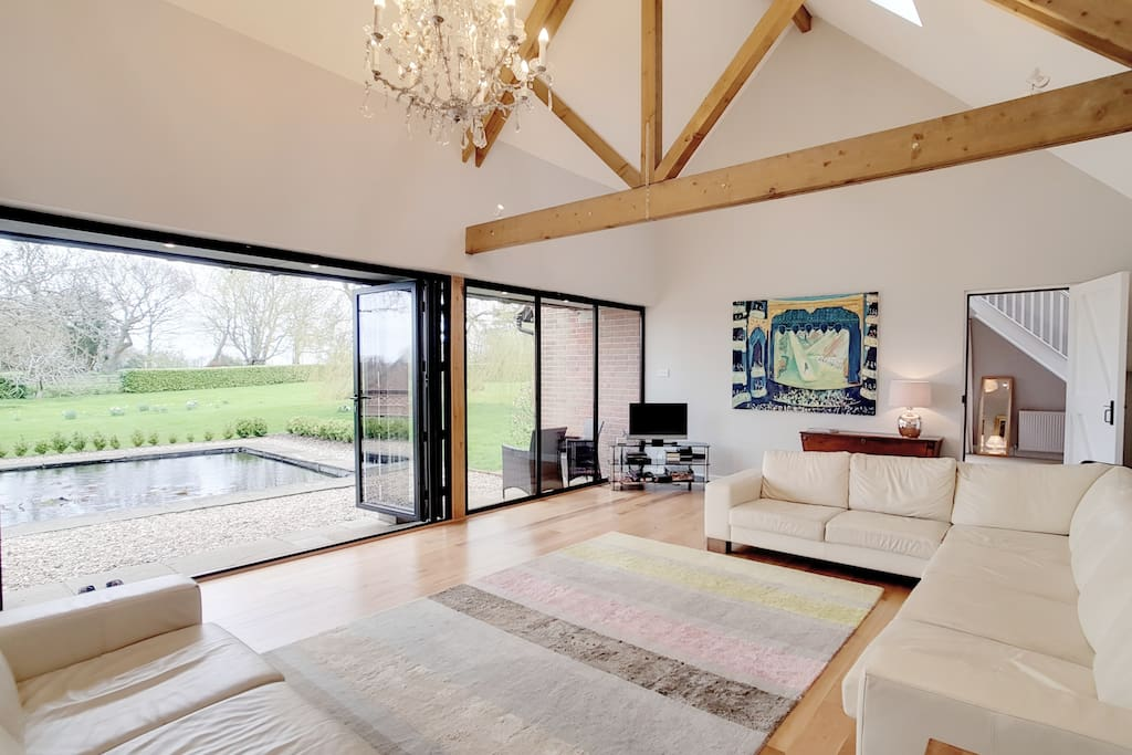 Beautiful Barn nr Haslemere in a gorgeous setting ...