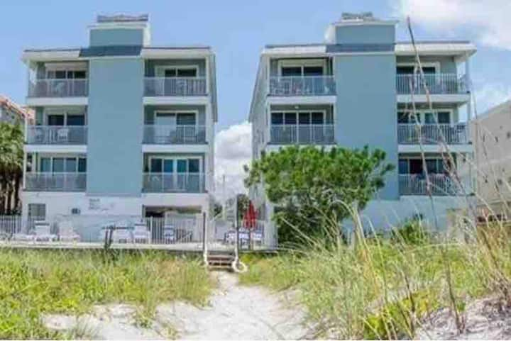 Gulf View Penthouse Condo on Indian Rocks Beach