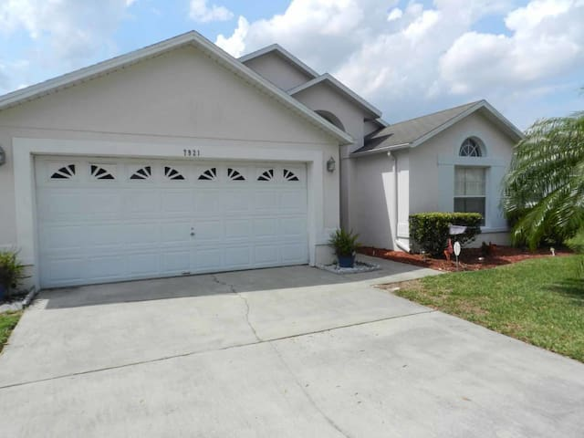 Rolling Hills 4/2 pool home property, fully furnished, with full kitchen, and all linens and towels - KISSIMMEE - Rumah