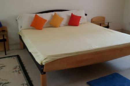 sunnyvilla room 1 - Yerthiganahalli - วิลล่า