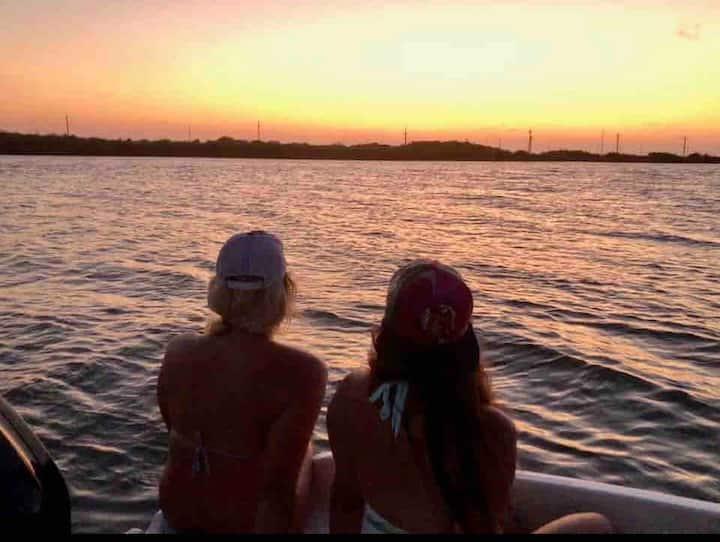 La Buena Pescada -Fishing Getaway|Coastal Cottage