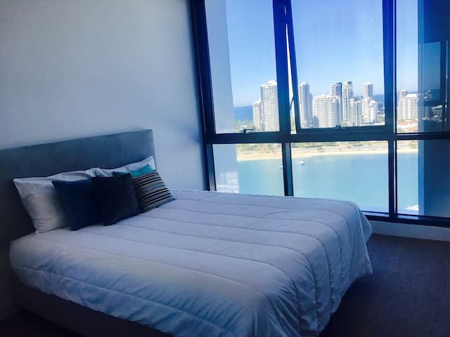❤️ Gold Coast ocean view private room Modern unit