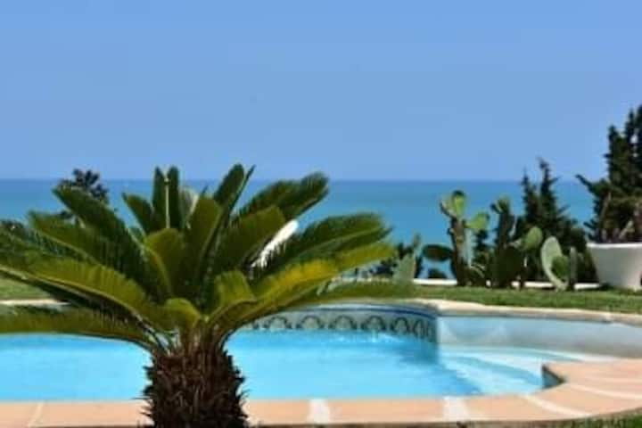 BnB ROOM swimingpool gammarth tunis