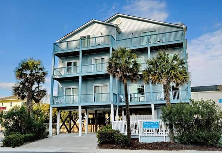 7 Bedroom  Fun & Sun Ocean Villa Sleeps 20