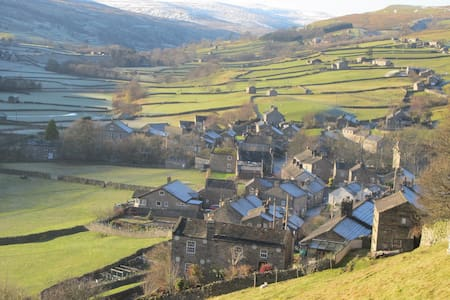 Traditional 2-Bedroom Yorkshire Cottage - Gunnerside - Rumah