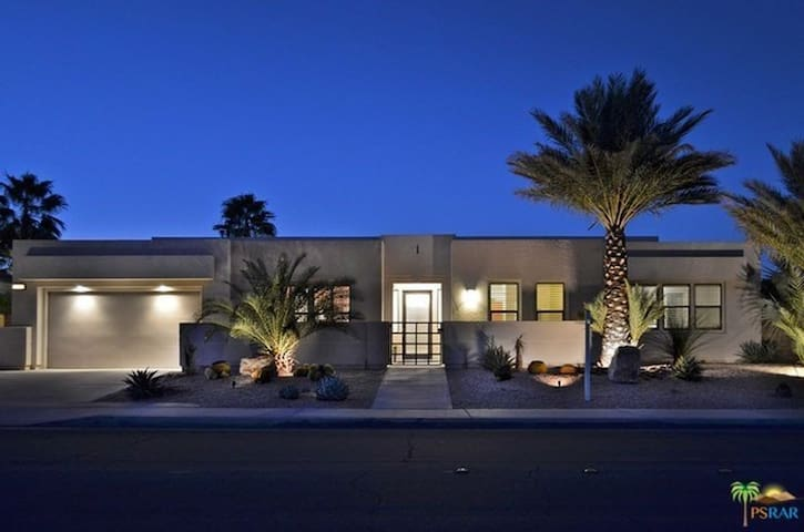 PRIVATE CASITA IN PALM SPRINGS - Palm Springs - Pensió