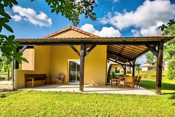 Villa Vienne, lovely bungalow near the golf