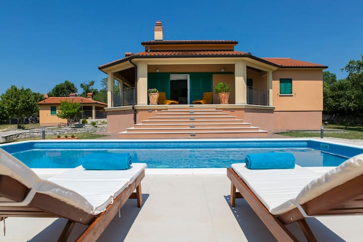 Villa Dani-with big pool 50m2