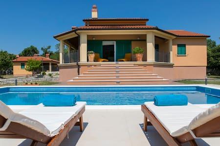 Villa Dani-with big pool 50m2