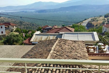 Traditional Home With A Sea View - Chryso