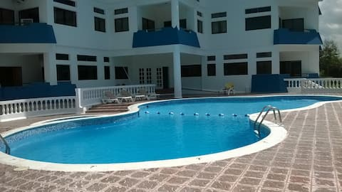 App.to 2 camere, Aria cond, Piscina;TV,Wi-FI/FREE.