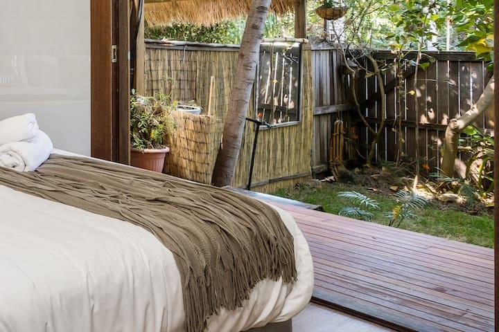 Silky Oak Suite - your oasis in Byron