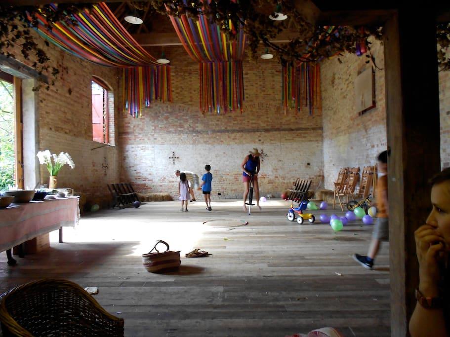 Grand hay barn